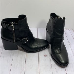 Pour La Victoire black leather block heel boots